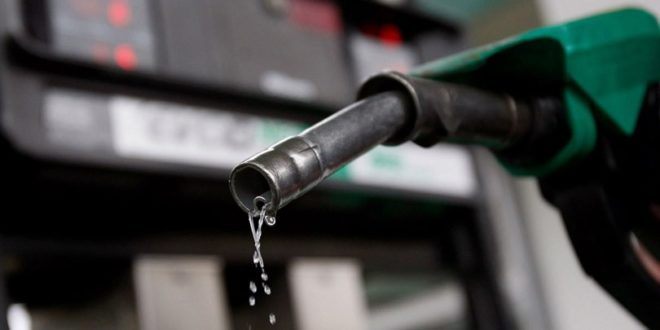 Када сипамо 10 литара горива, СНС нам узме 800 динара! 1