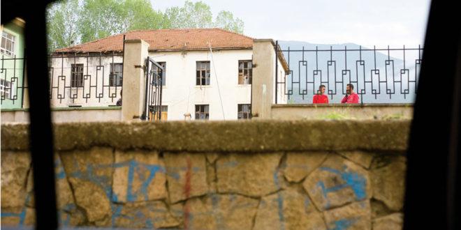 """Репортажа из Круме: Најмрачнија прича ратова деведесетих и злогласна """"Жута кућа"""" 1"""