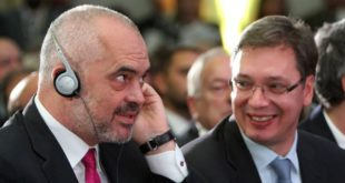 """Албанска опозиција за свргавање """"криминалца Раме"""""""