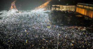 Премијер не да оставку, пола милиона Румуна на улицама (видео) 3