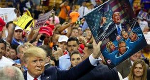 Трампа нападају са свих страна, али његови противници не схватају каквом ватром се играју