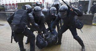 Координирани покушај ОБОЈЕНЕ РЕВОЛУЦИЈЕ: На удару Минск, Москва, Санкт Петербург, полиција похапсила на стотине људи (видео)