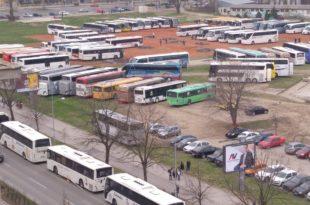 Колапс у Новом Саду, напредњаци аутобусима довлаче страначке активисте чак из Димитровграда 9