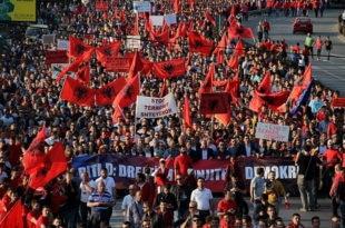 НЕМАЧКА ОТКРИЛА да ће чувати леђа шиптарима у Македонији