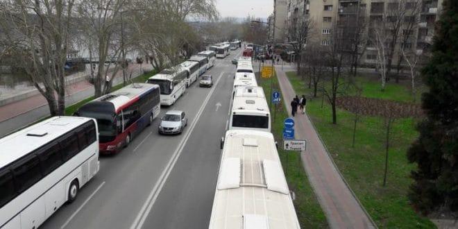 Одакле вам паре? Вучић спрема 1.500 аутобуса за којима довлачи ботове у Нови Сад и Београд 1