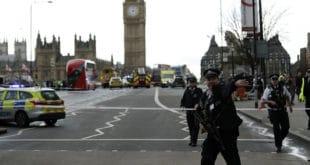 Пуцњава испред парламента Велике Британије, има и мртвих (фото)