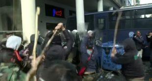Жестоки сукоби грчких сељака са полицијом (видео) 5