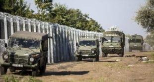 Мађарска кроз бодљикаву жицу на граници са Србијом пушта струју