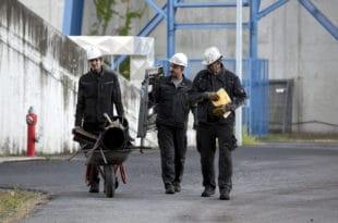 Од ЕУ ништа добро, радницима данас плате мање него пре 8 година пре уласка у ЕУ! 9