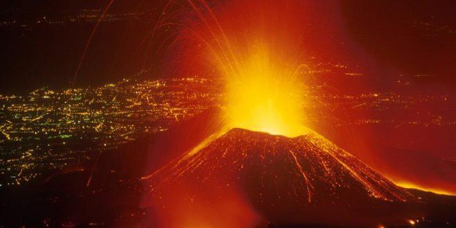 ПАНИКА: Прорадио вулкан Етна! 1