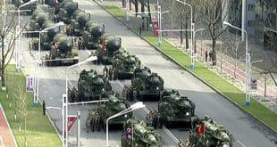 Северна Кореја на војној паради показала ракетне зубе Сеулу, Токију и Вашингтону