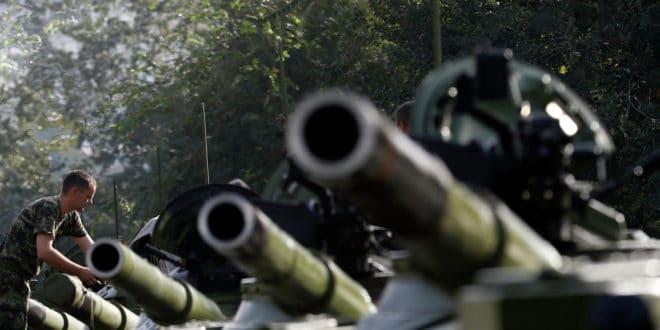 Огромна већина Срба (76%) спремна да брани Србију и слободу свим средствима па и оружјем ако затреба! 1