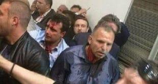"""Заев добио батине од активиста протестног покрета """"За заједничку Македонију"""""""