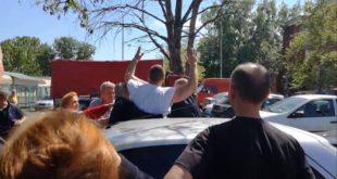 КРЕТЕНИЗАМ! Комунална полиција насилно УХАПСИЛА човека јер продаје јаја за Васкрс?! (видео) 7