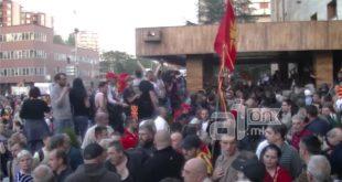 """Прва фаза """"државног удара"""" у Македонији готова: Заев и Шиптари изабрали свог """"председника Собрања"""" (видео) 16"""