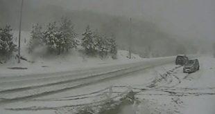 Снежна мећава захватила БиХ 8