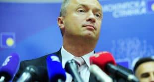 Пајтић: Опозиција останком у Скупштини даје легитимитет Вучићевом режиму и алиби ЕУ и САД 8