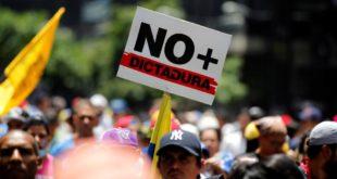 У антивладиним протестима у Венецуели петоро мртвих (видео)