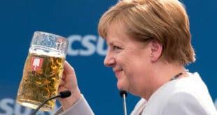 """Меркелова разочарана Трампом и Британцима поручила: Европа """"мора да узме своју судбину у своје руке"""" 10"""
