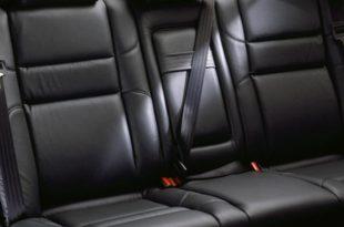 Возачи! Ако имате два појаса на задњем седишту – ПЛАЋАТЕ НОВУ САОБРАЋАЈНУ ДОЗВОЛУ!