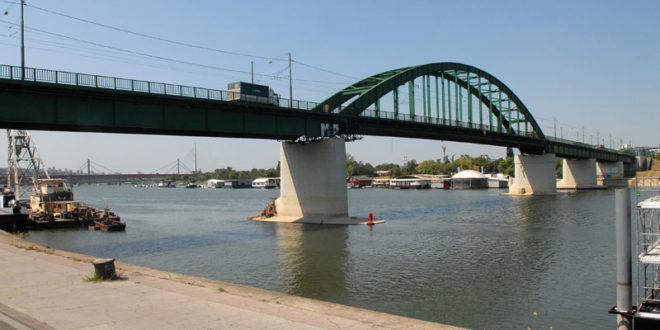 Београд: Бесмислено измештање Старог Савског моста