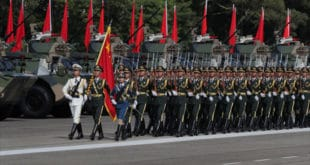 Председник Кине Сји Ђинпинг на великој војној паради у Хонгконгу (фото, видео)