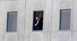 Терористи обучени као жене напали на ирански парламент и маузолеј Хомеинија (видео) 9
