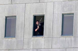 Терористи обучени као жене напали на ирански парламент и маузолеј Хомеинија (видео)