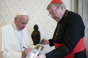 Саветник папе Фрање и трећи човек Ватикана кардинал Џорџ Пел хомосексуални педофил! 5