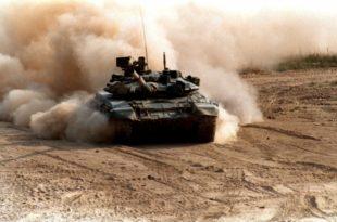 Јурњава тенка Т-90 за терористима по сиријској пустињи (видео)
