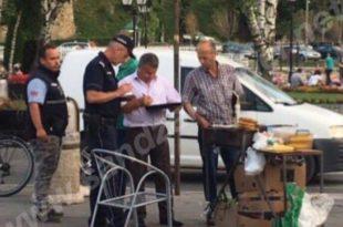 САМО У СРБИЈИ! Преко пута нелегалног објекта инспекција пише казну продавцу кукуруза! УДРИ ПО КУКУРУЗУ!