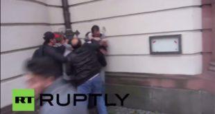 Нереди и масовне уличне туче Курда и Турака у Немачкој (видео)