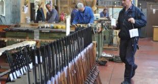Синдикати војних фабрика одлучили да организују заједнички штрајк упозорења