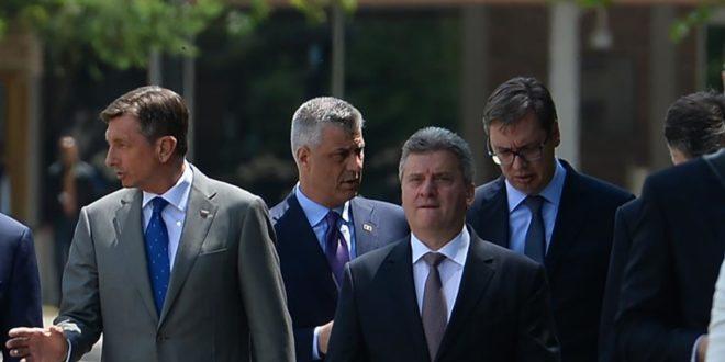 Тупави напредњаци признали да се Вучић тајно сусрео са Тачијем!