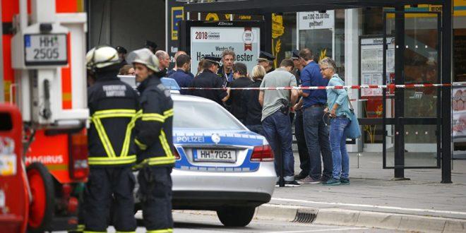 """Напад у Хамбургу викао """"Алаху екбер"""": Једна особа убијена, више рањено"""