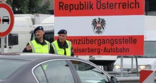 НАВАЛА МИГРАНАТА ПРЕКО ИТАЛИЈЕ: Аустријанци желе контроле на граници