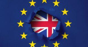 Велика Британија повлачи своје дипломате из Европске уније