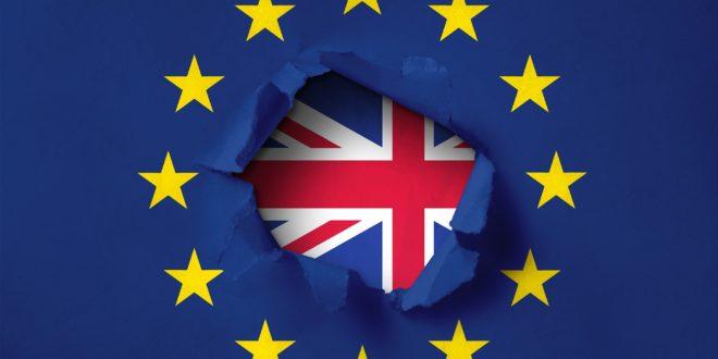 Велика Британија повлачи своје дипломате из Европске уније 1
