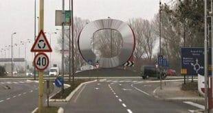 """Синдикат тражи уклањање """"Фијатовог"""" знака са улаза у Крагујевац 10"""