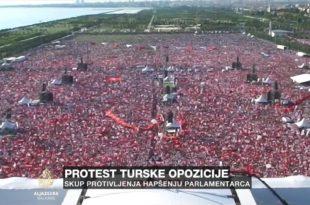 Масиван марш опозиције у Турској (видео)