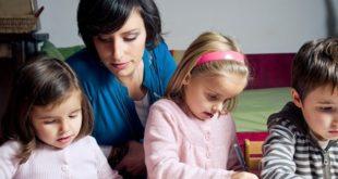 Из државне касе мање пара за мајке 14