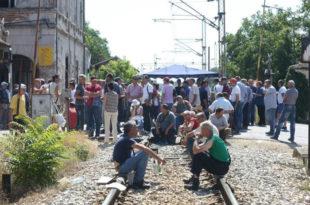 НЕМАЧКИ МЕДИЈИ: Србију чека велика радничка побуна обесправљених радника!