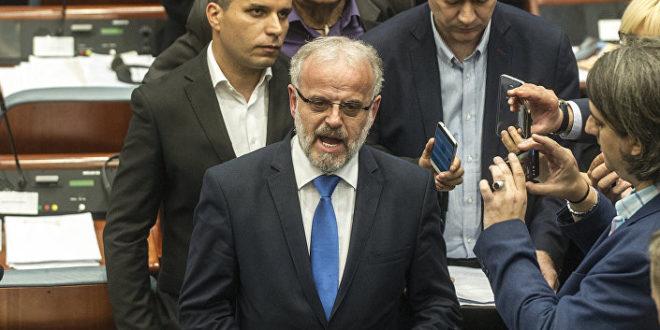 Нови хаос у Собрању — ВМРО блокирао парламент, Џафери позвао обезбеђење 1