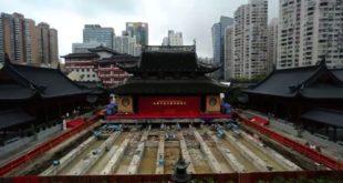 Кинези померили храм стар 135 година и тежак преко 2.000 тона (видео)
