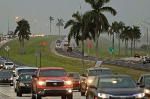 Становницима Флориде наређено да буду спремни за евакуацију јер је ураган Ирма шири од Флориде