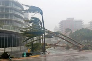 """""""Ирма"""" однела прве жртве на Флориди, милиони људи без струје (видео)"""