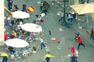 Сукоб две мање групе демонстраната у центру Барселоне