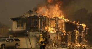 ИНФЕРНО: Број погинулих у пожарима у Калифорнији порастао на 35, стотине нестале (видео)