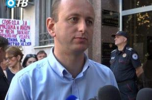 KНЕЖЕВИЋ: ДФ неће подржати Абазовића за премијера, парламентарна већина је талац Kривокапића и лидера УРЕ!