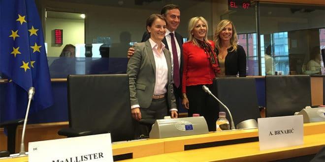 МУТАВА СПОДОБА у Бриселу напала независне медије у Србији